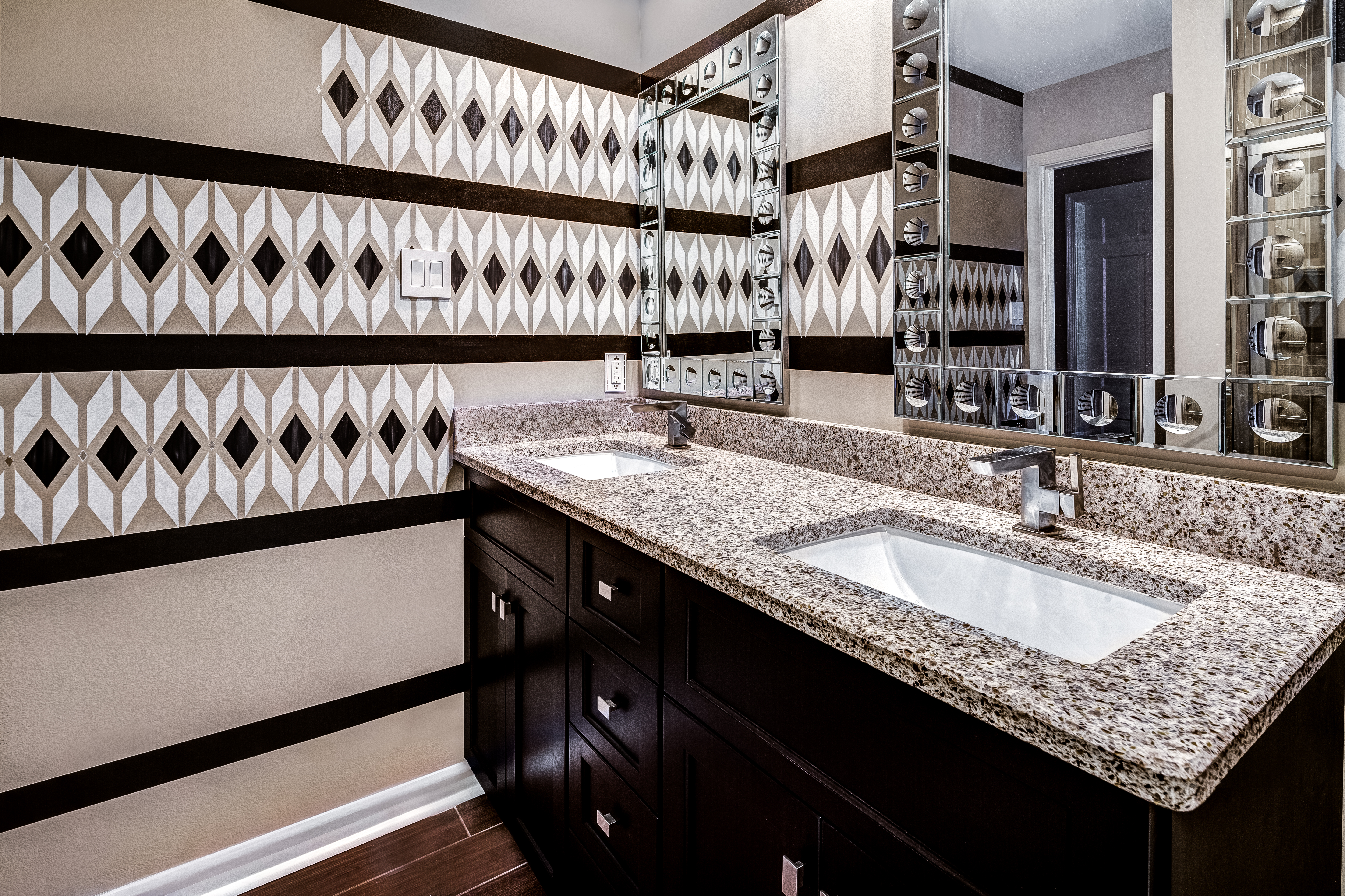 Fieldstone Cabinetry - Traditional Bathroom
